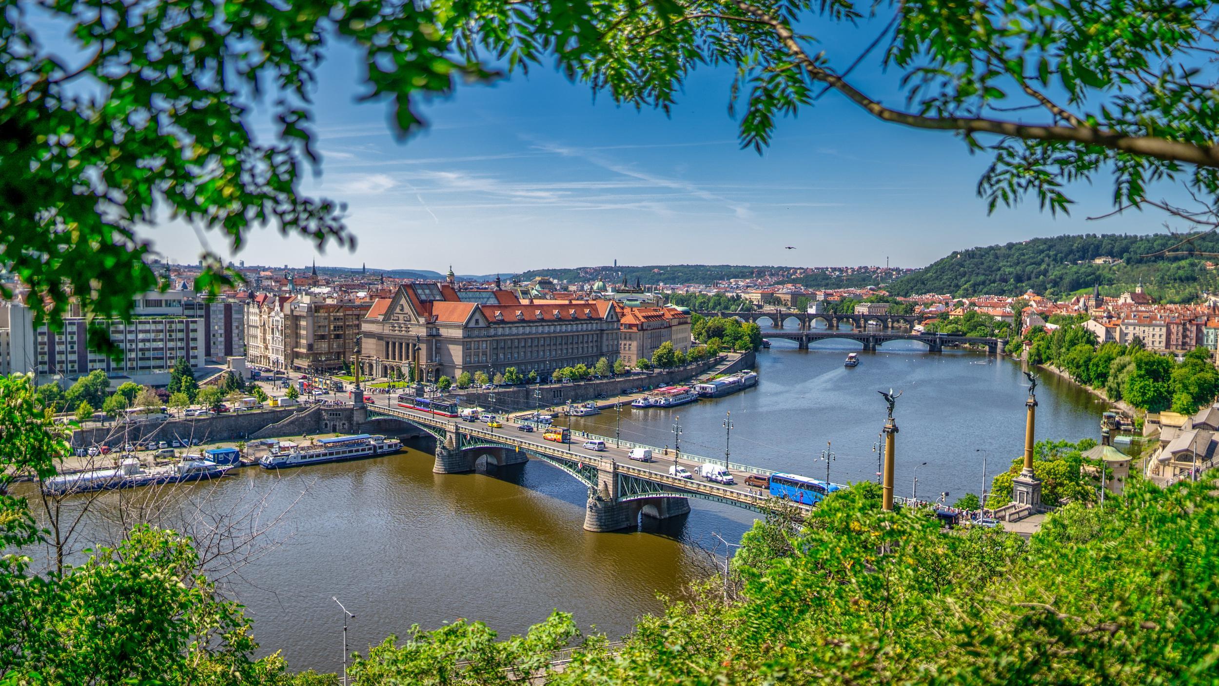 Association Educational Center, OCA – подготовка в вузы Чехии