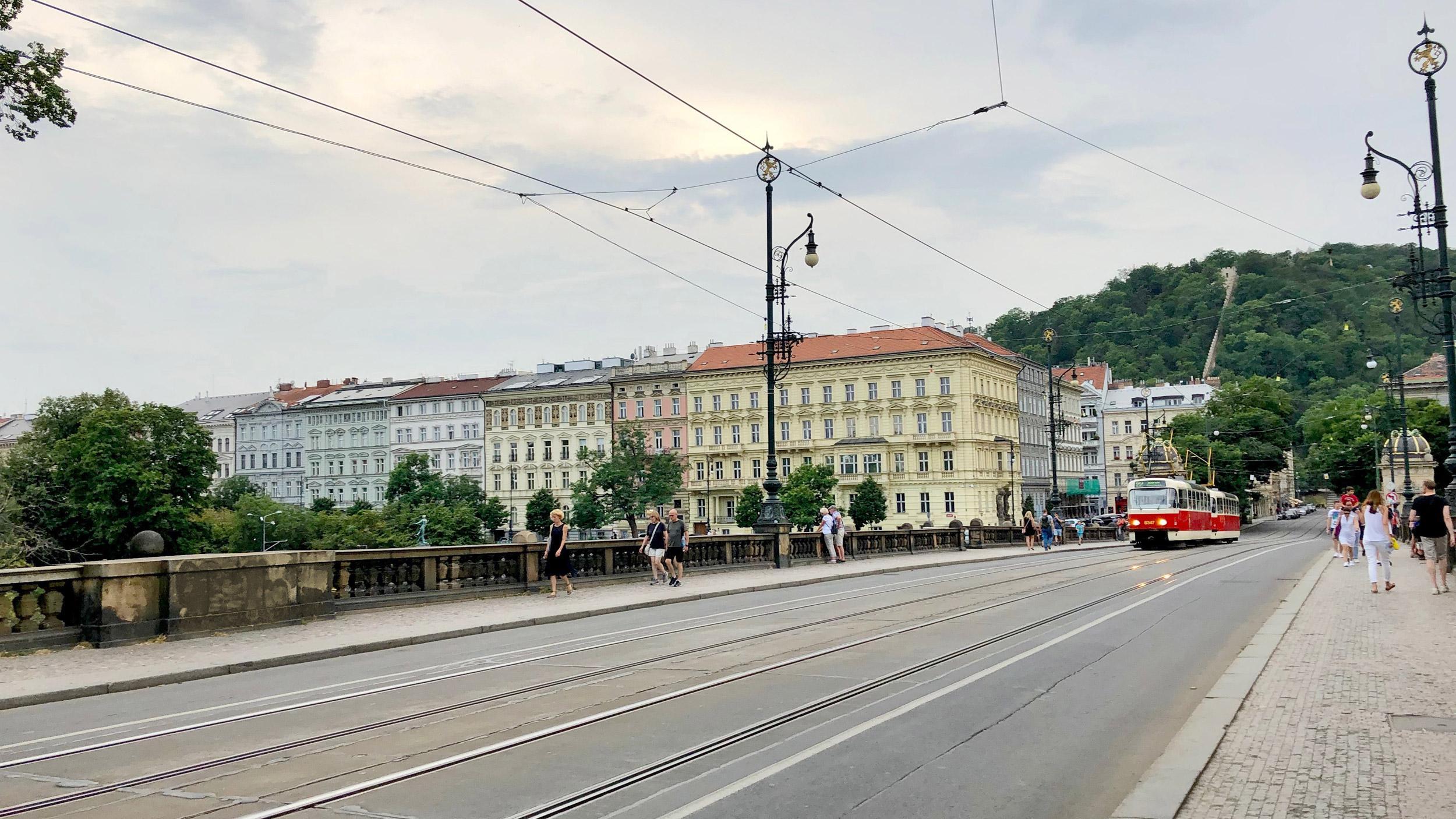 Академия MSM в Праге – изучение английского
