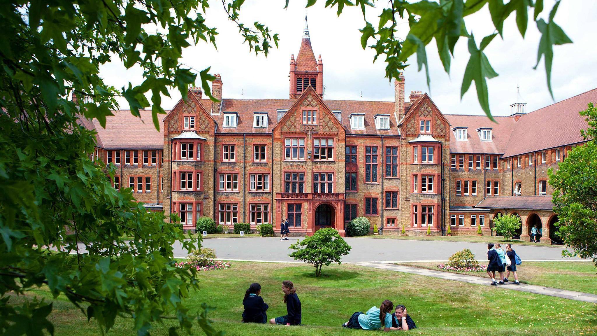 St Margaret's school, Bushey
